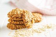 Домашни бисквити с овесени ядки, орехи, яйца и масло (Овесени ореховки)